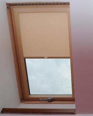 Rolety do střešních oken velux
