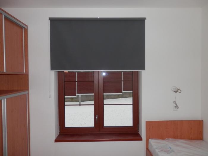 Textilní okenní roleta v Nymburce