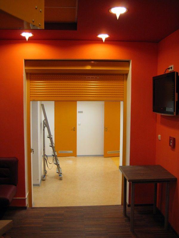 Roleta instalovaná v interiéru