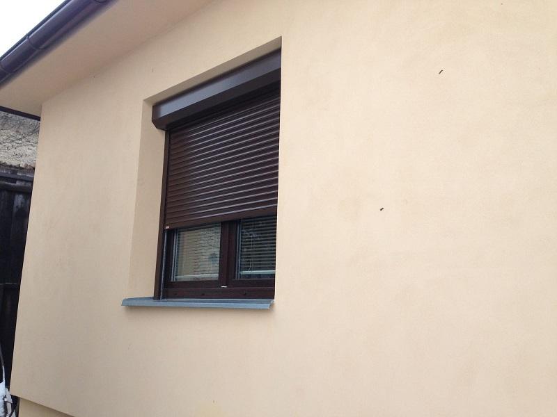 roleta na okně